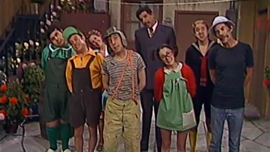Turma do Chaves cantando (Foto: Reprodução)