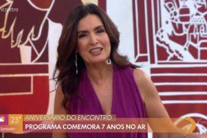 A apresentadora Fátima Bernardes da Globo está feliz com seu Encontro