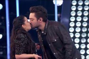 Rolou beijão entre Maiara e Fernando Zor no programa SóTocaTop, da Globo (Foto: Reprodução/Globo)