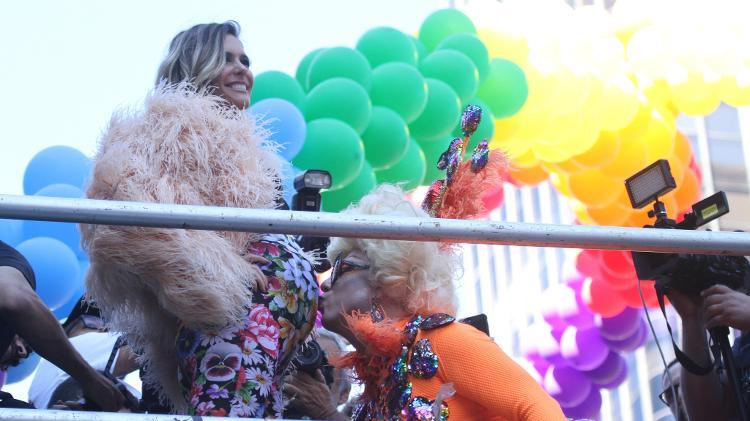 Fernanda Lima na Parada Gay (Foto: Reprodução)