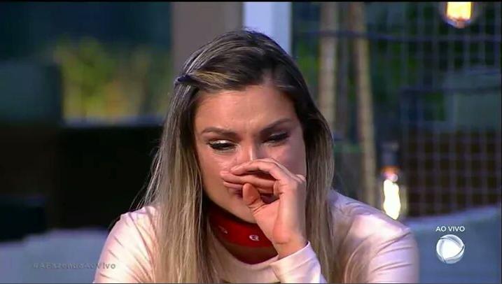 Flávia Viana sofreu um aborto espontâneo e expor a terrível dor que vem sofrendo (Foto: Reprodução)