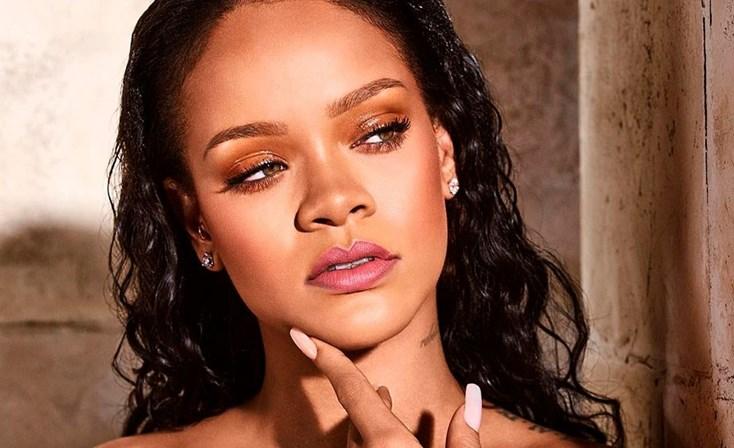 A cantora Rihanna deu detalhes sobre sua relação amorosa (Foto: Reprodução)