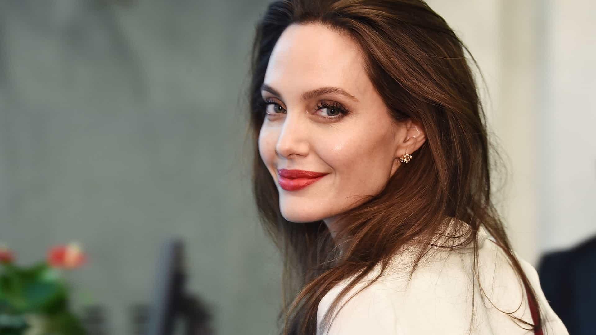 A atriz Angelina Jolie vai visitar fronteiras (Foto: Reprodução)