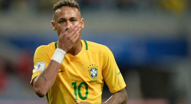 O jogador da seleção Neymar está tentando rescindir contrato com o PSG (Foto: Reprodução)