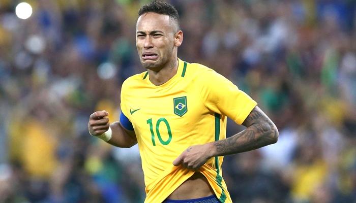 Neymar está fora da Seleção após grave lesão (Foto: Reuters)