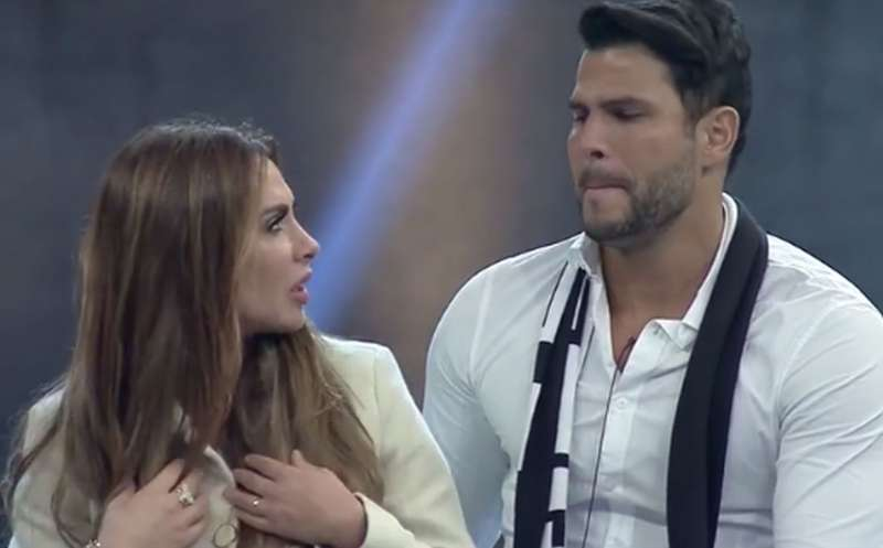 Nicole e Marcelo escapam de mais uma DR do Power Couple (Foto: Reprodução)