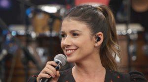 Paula Fernandes substituirá Luan Santana para cantar Juntos e Shallow Now em gravação de DVD (Foto reprodução)