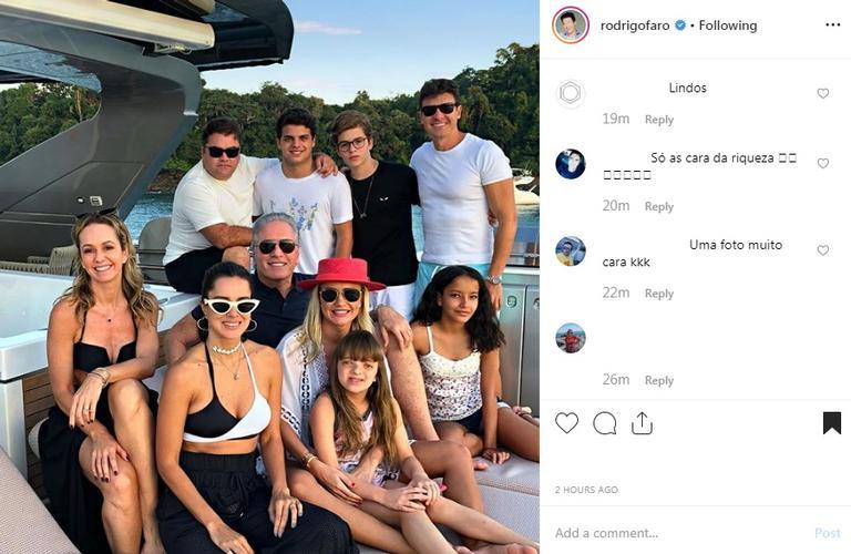 Rodrigo Faro passa o dia no iate luxuoso de Roberto Justus com a família (Foto: Reprodução)
