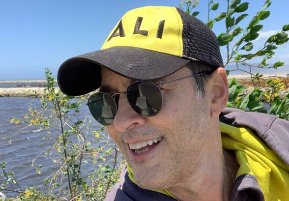 O autor Tiago Santiago alfinetou reprise de Caminhos do Coração da Record TV (Foto: Reprodução)