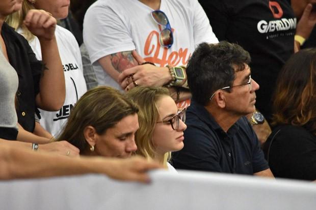 Ana Maria, mãe de Gabriel Diniz, Karoline Calheiros, a namorada, e o pai (Foto: Reprodução)
