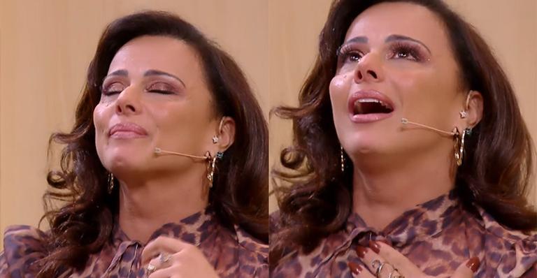 Viviane Araújo no Tamanho Família foi homenageada e caiu no choro de forma emocionante (Foto: Reprodução)
