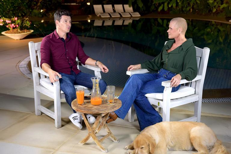 Rodrigo Faro visitou Xuxa na casa dela (Foto reprodução - Record)