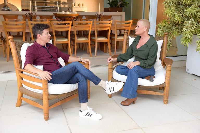 Rodrigo Faro visitou Xuxa e fez uma entrevista reveladora (Foto: Reprodução/ Record)
