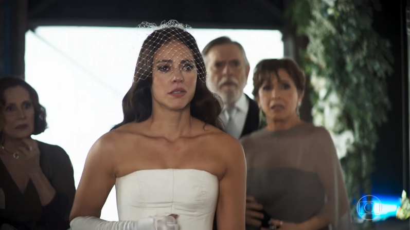 Vivi (Paolla Oliveira) vai surpreender Camilo (Lee Taylor) no segundo casamento em A Dona do Pedaço (Foto: Reprodução/Globo)