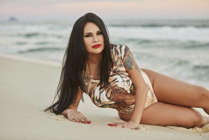 Solange Gomes revela ter feito striptease grávida após ser demitida da Banheira do Gugu Foto: Reprodução