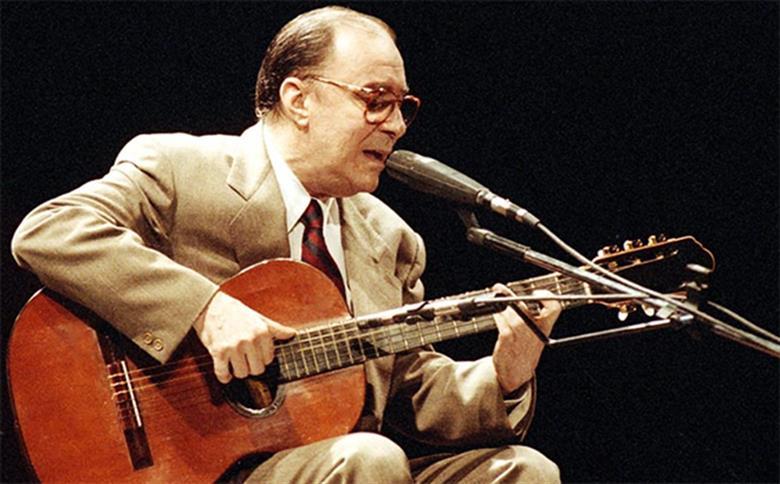 A morte do famoso cantor João Gilberta foi lamentada por várias personalidades (Foto: Reprodução)
