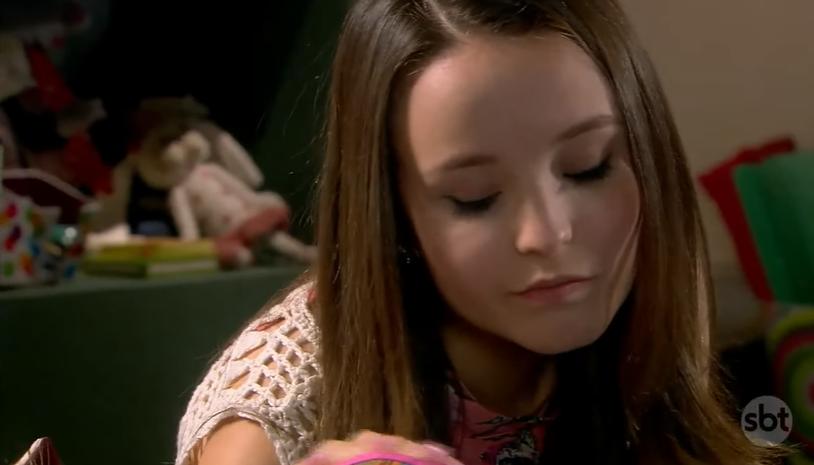 Larissa Manoela em em cena na novela As Aventuras de Poliana