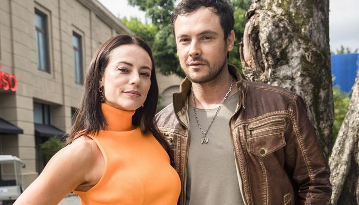 Vivi (Paolla Oliveira) e Chiclete (Sergio Guizé) em A Dona do Pedaço (Foto: Globo/João Miguel Júnior)
