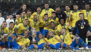 Seleção brasileira comemora a conquista da Copa América (Foto: Lucas Figueiredo/CBF)