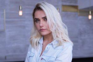 Monica Iozzi é uma dos destaques de A Dona do Pedaço que está no ar na Globo (Foto: Reprodução/Instagram)