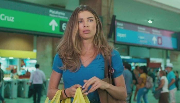 Paloma (Grazi Massafera) vai abandonar Marcos (Romulo Estrela) em Bom Sucesso (Foto: Reprodução/Globo)