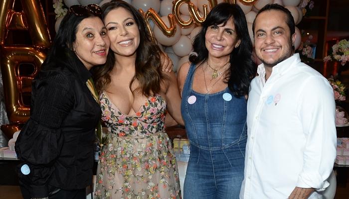 Andressa Ferreira e Thammy Miranda com Gretchen (Foto: Francisco Cepeda/Ag News)