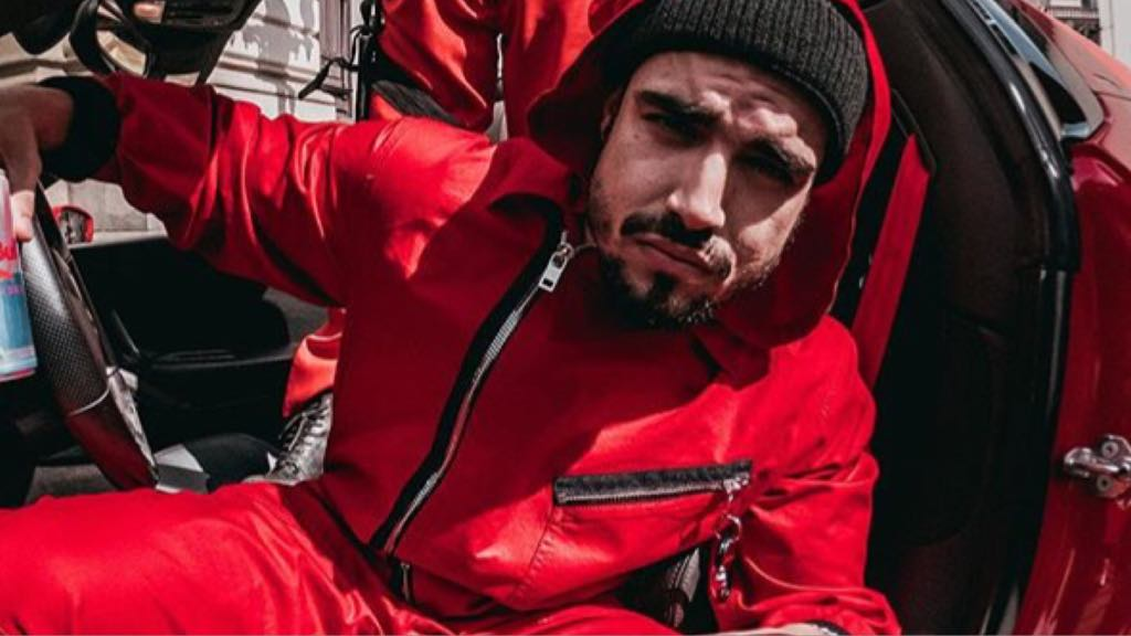 Caio Castro, contratado da Globo, divulga série La Casa de Papel, da Netflix (Imagem: Instagram)