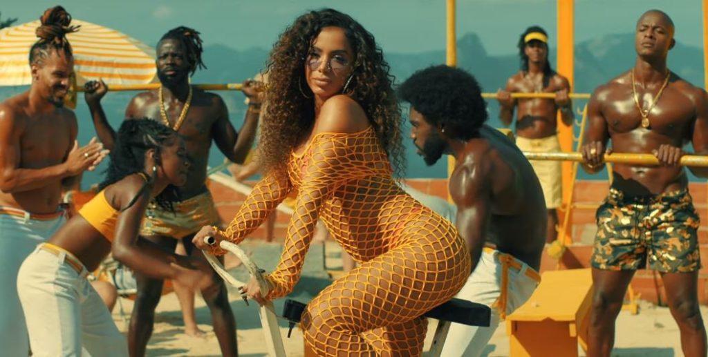 Imagens do clipe da música Muito Calor