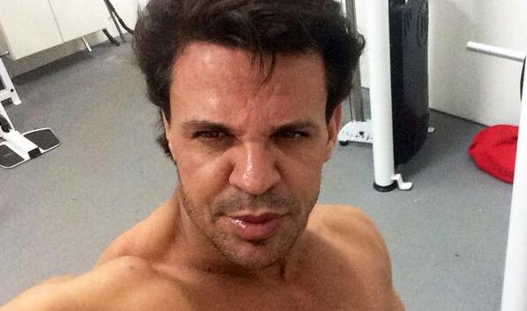 Eduardo Costa já assumiu procedimentos estéticos à imprensa (Foto: Reprodução/Twitter)