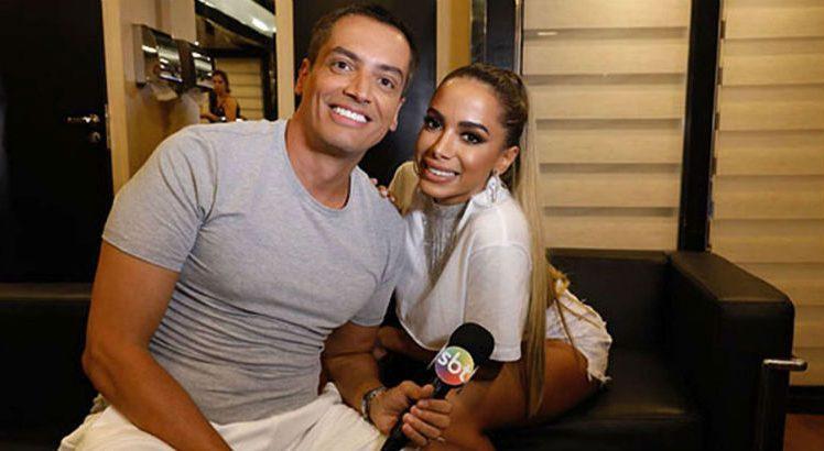 Leo dias e Anitta (foto: divulgação/SBT)