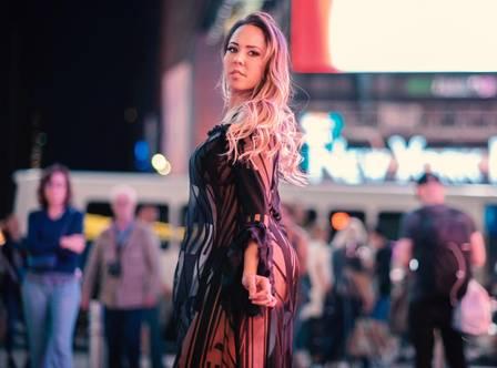Mulher Melão lança rap ousado, faz clipe de R$ 120 mil em NY e fala de treta entre as funkeiras Anitta, Ludmilla, Pocah e Lexa (Foto: Tiziana DiTullio/divulgação)