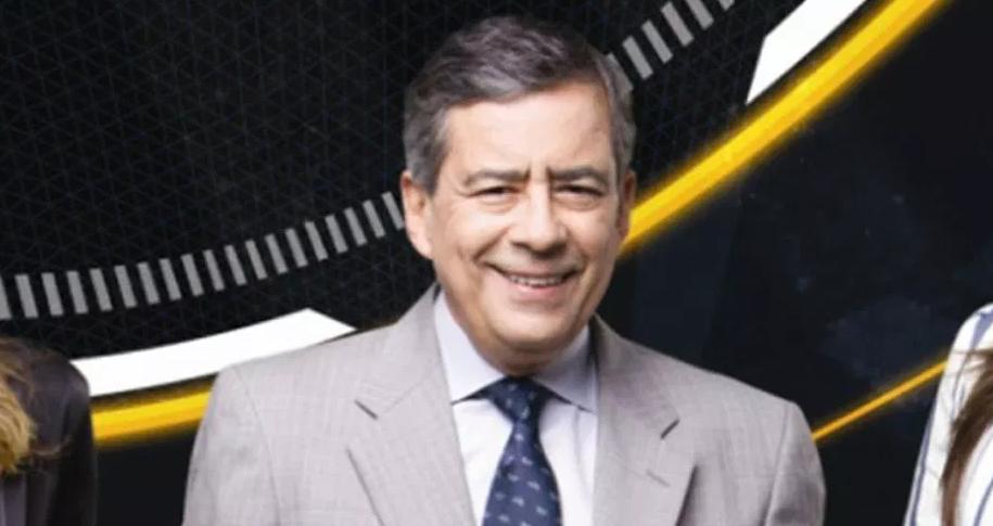 """Paulo Henrique Amorim apresentou o """"Domingo Espetacular"""" (Foto: Divulgação/Record)"""