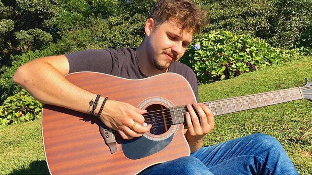 O famoso cantor sertanejo, Ramon Struck foi vítima fatal de um acidente de trânsito aos 22 anos (imagem: Instagram)