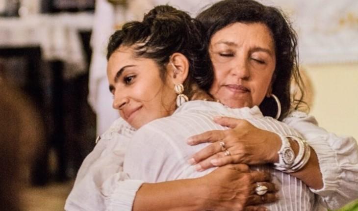 Regina Casé e a filha Benedita, que é surda (Foto: Divulgação)