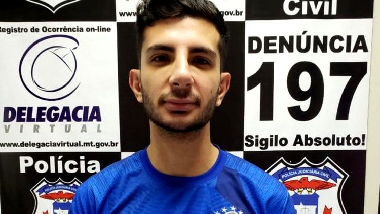 Cantor sertanejo é preso após ameaçar e divulgar fotos íntimas da namorada
