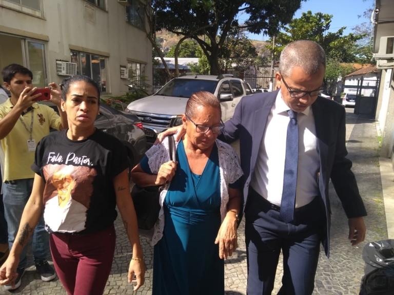 Mãe do pastor Anderson do Carmo ataca Flordelis e faz grave acusação contra a deputada federal (Foto: Reprodução)