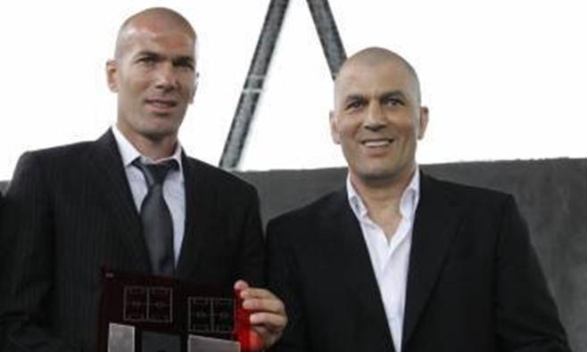 Zidane, técnico do Real Madrid, e o irmão Farid (Foto: Reprodução)