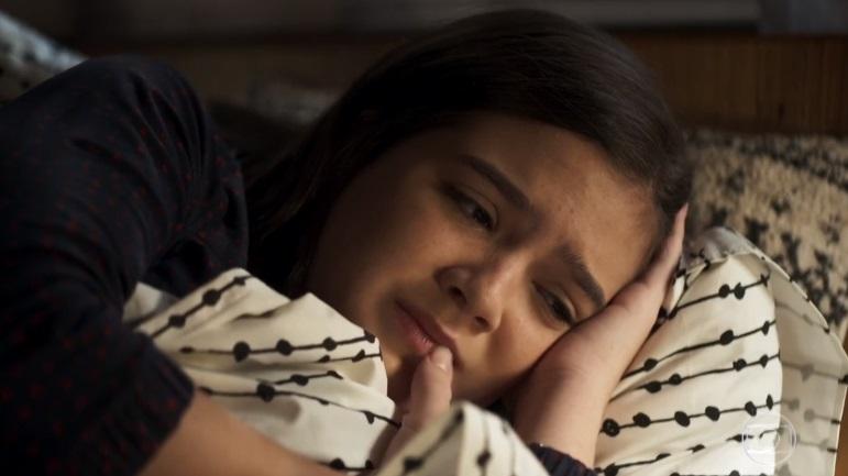 Cássia vai aos prantos por ser rejeitada pelos pais e ver o mundo desabar em seu cabeça em A Dona do Pedaço da Globo