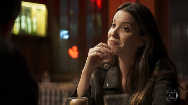 Fabiana (Nathalia Dill) tem a sua vida transformada em A Dona do Pedaço (Foto: Reprodução/Globo)