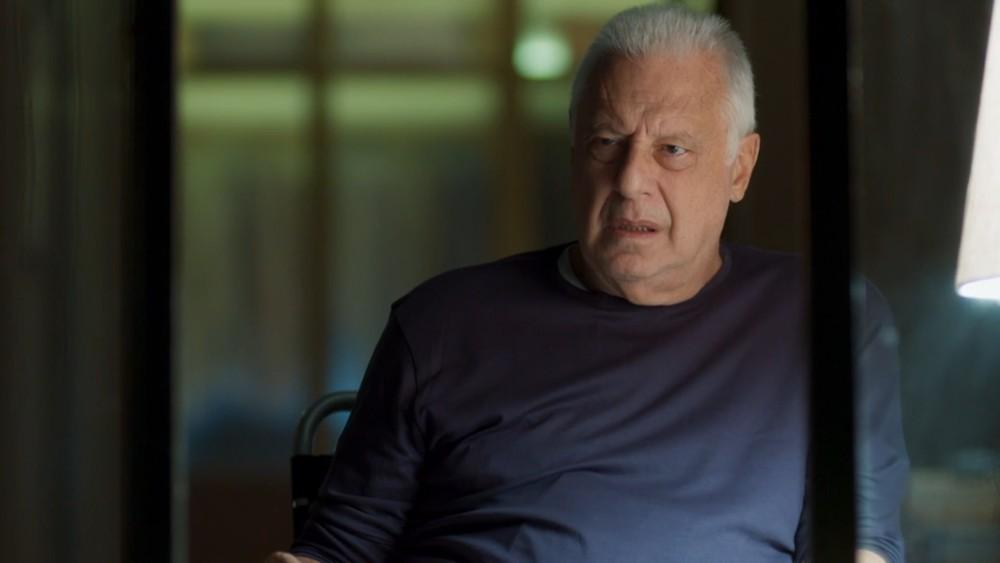 Antonio Fagundes interpreta o Alberto na novela Bom Sucesso da Globo (Foto: Reprodução)