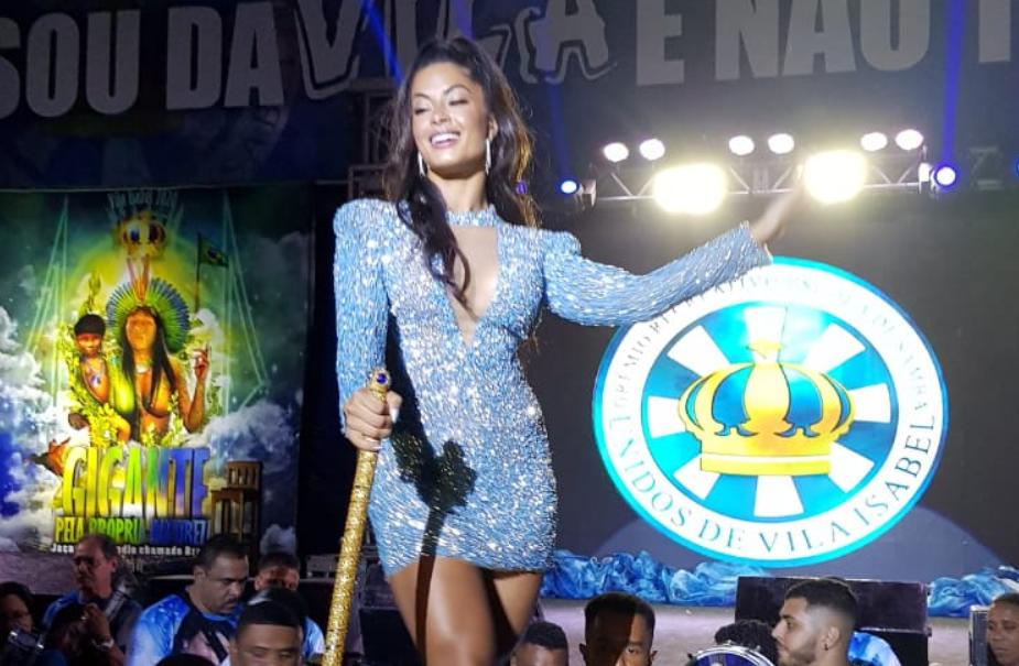 A atriz Aline Riscado substitui Sabrina Sato no Carnaval (Foto: Geizon Paulo)
