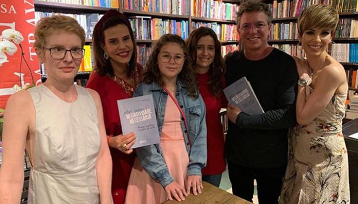 Boninho com Ana Furtado, Narcisa Tamborindeguy, Mariana e Isabela (Foto: Reprodução/Instagram)