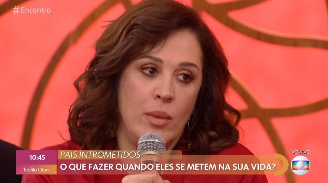 Claudia Raia de Verão 90 no Encontro com Fátima Bernardes da Globo (Foto: Reprodução)