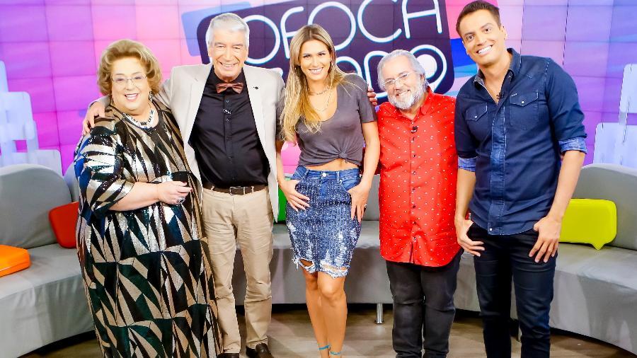 Mamma Bruschetta, Décio Piccinini, Lívia Andrade, Leão Lobo e Leo Dias no Fofocalizando (Foto: Gabriel Cardoso/SBT)