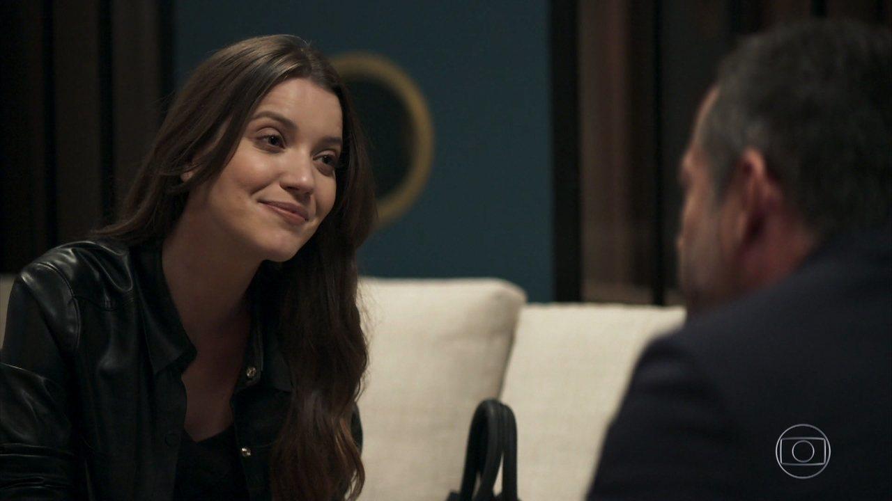 Fabiana (Nathalia Dill) vai dar golpe em Agno (Malvino Salvador) em A Dona do Pedaço (Foto: Reprodução/Globo)