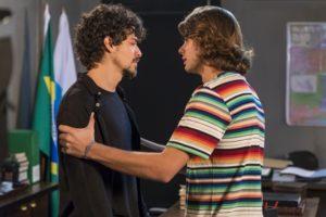 Jerônimo (Jesuíta Barbosa) e João (Rafael Vitti) têm reencontro decisivo em Verão 90 (Foto: Globo/Paulo Belote)