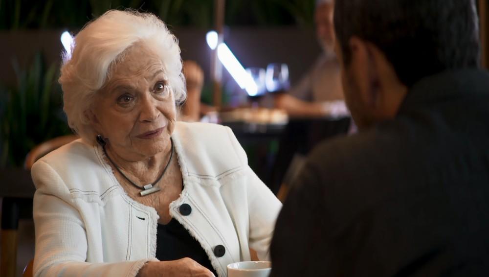 Gladys em cena na novela da Globo A Dona do Pedaço