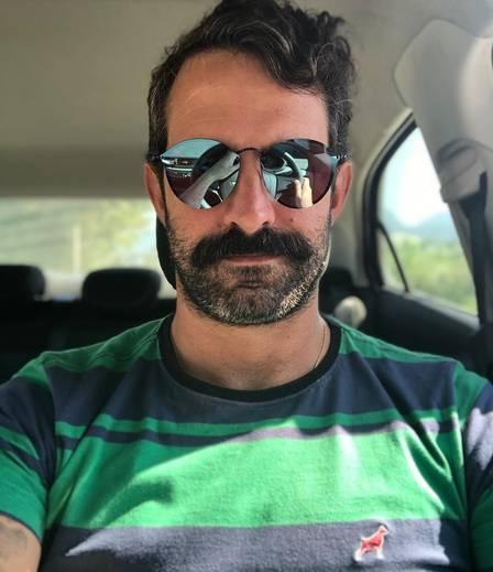 Iran Malfitano nos dias atuais como motorista de aplicativo.