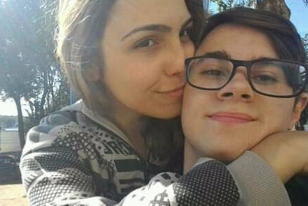 Rafael Miguel e a namorada Isabela Tibcherani Foto: Reprodução