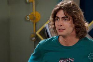 Rafael Vitti é João em Verão 90 da Globo
